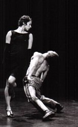 Vestiaire s'il vous plaît - Janvier 2002 ©FE Gys